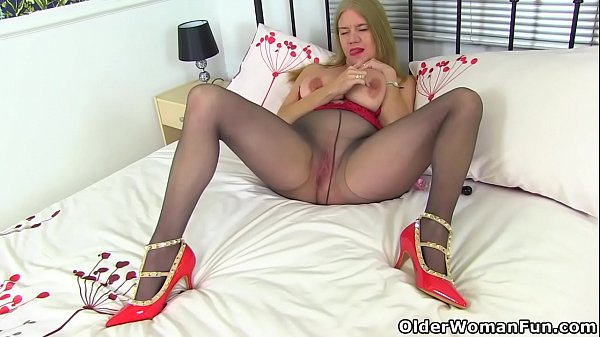 Nylon, Nylons, English, Lily