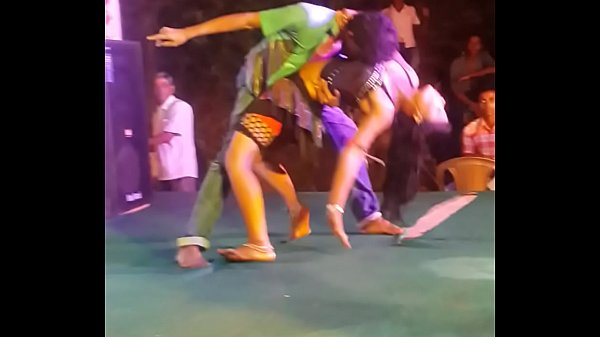 Dance hot, Stage
